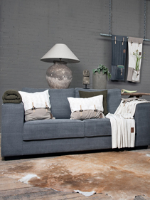 Lampa_sofa_salon_Knit_Factory