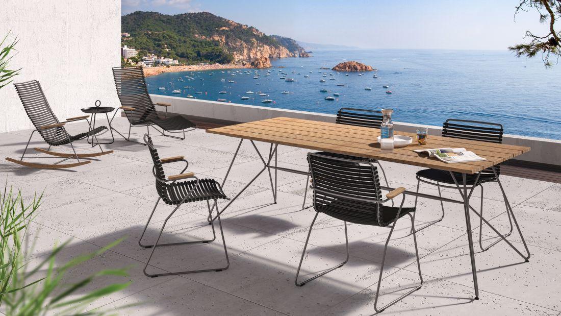 Stół i krzesła ogrodowe HOUE - ogród w stylu skandynawskkim