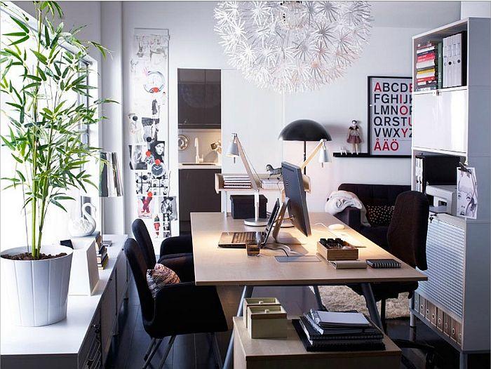 zielone rośliny, plakaty na ścianie - domowy gabinet w stylu skandynawskim