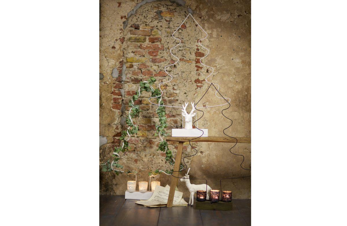choinki, świeczniki i roślinna dekoracja - Be Pure