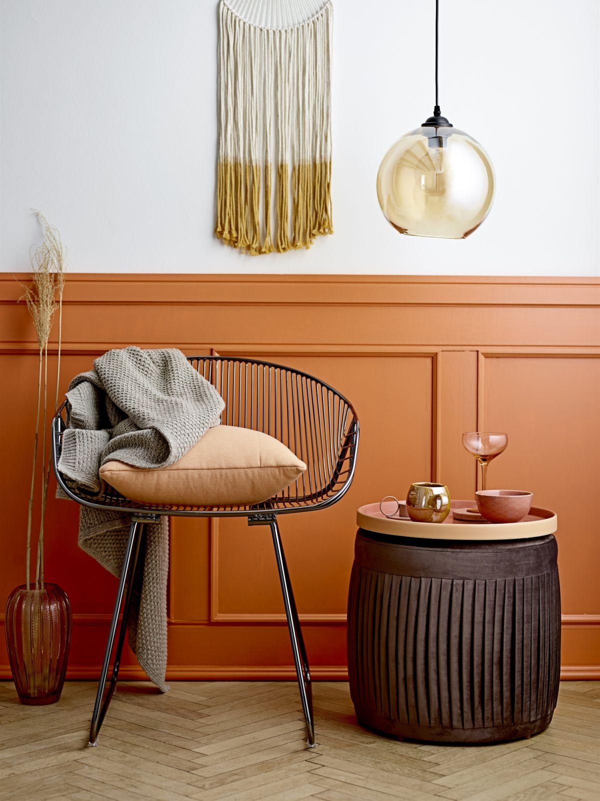 przytulne miejsce do relaksu - koc, poduszka, krzesła i zestaw do herbaty - Bloomingville kolekcja jesień zima 2018