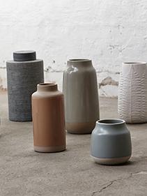 Ceramiczne flakony Hubsch